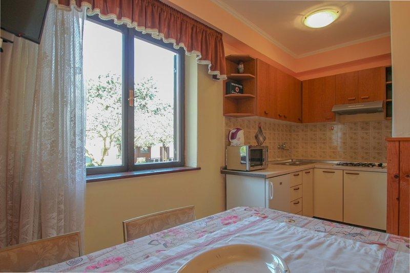 Holiday home 104775 - Holiday apartment 4847, location de vacances à Fiorini