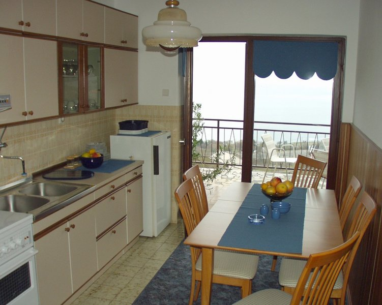 Holiday home 104809 - Holiday apartment 4881, holiday rental in Sibinj Krmpotski