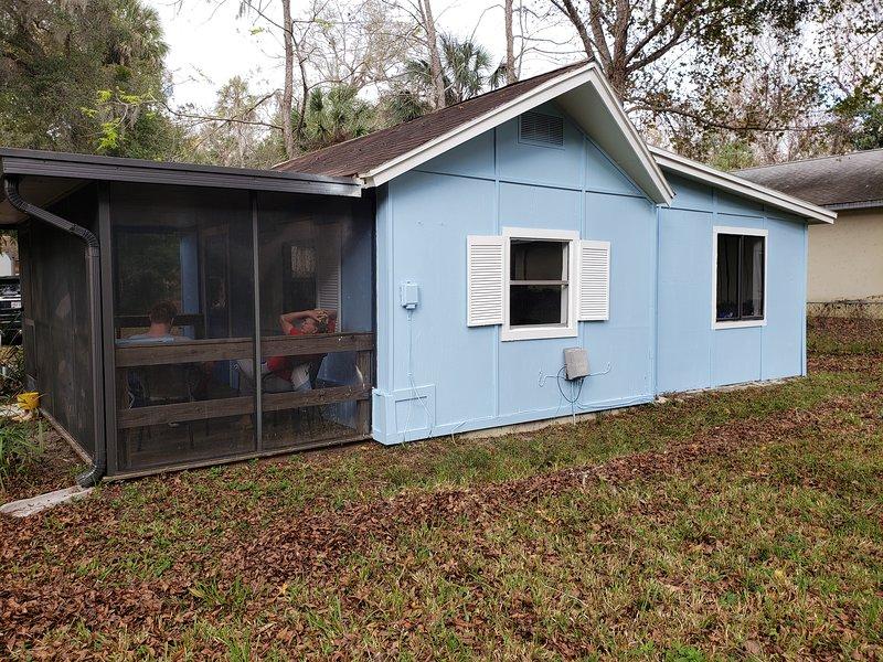 Nana's Place of Homosassa Blue Cottage, vacation rental in Homosassa