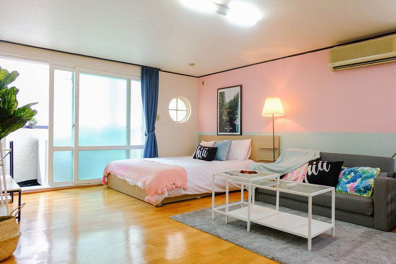 【hiii】Rosa Odorata▲Hongdae Centre▲Next To Hongik University▲Sinchon&Idae-ICN047, holiday rental in South Korea