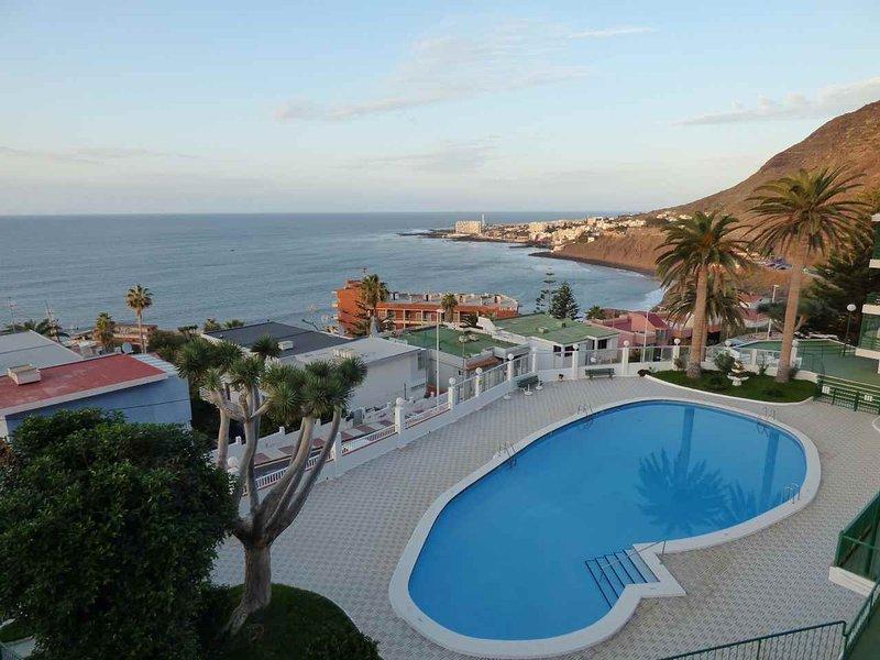 Family apartment with ocean views, alquiler vacacional en Bajamar