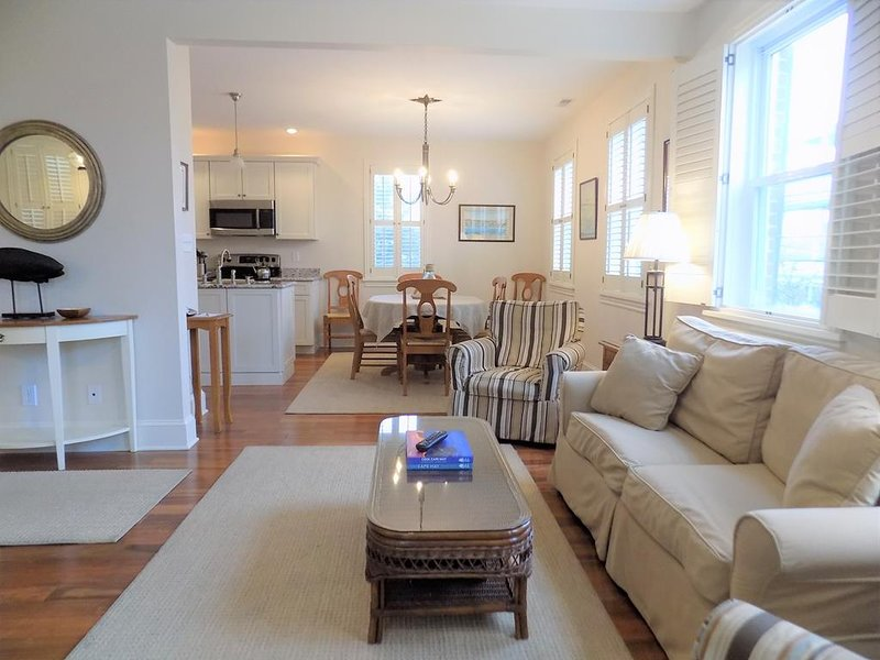 BEACH BLOCK IN THE CENTER OF TOWN 100742, holiday rental in Cape May
