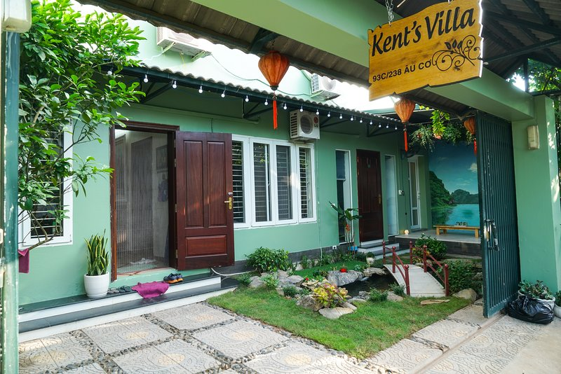 Kent's Villa - 7 Bedrooms, holiday rental in Hanoi