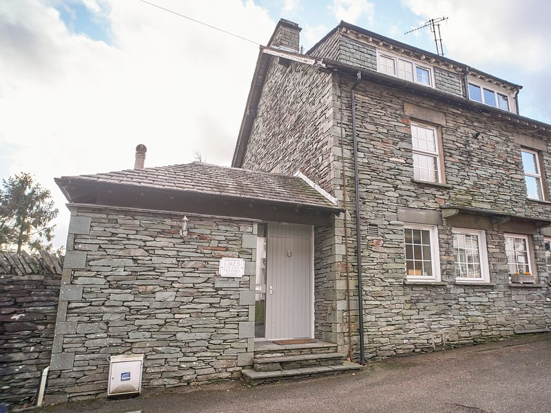 PLUMBLANDS, three storey cottage, views of Langdale Fells, terrace garden, in, holiday rental in Little Langdale