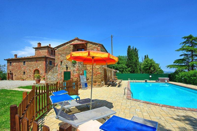 Monte San Savino Villa Sleeps 18 with Pool and Air Con - 5828537, alquiler vacacional en Lucignano