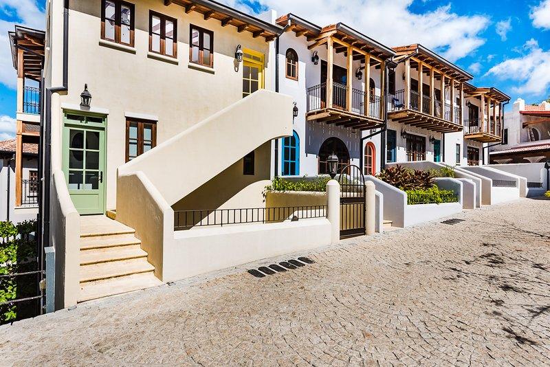 Oceanview Top Floor Steps from the Beach, alquiler de vacaciones en Las Catalinas