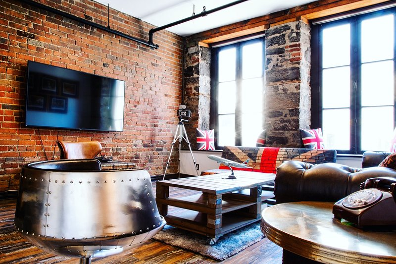 Unique & Charming 3BR loft - heart of old Montreal, vacation rental in Saint-Lambert