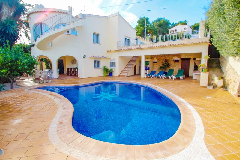 May - pretty holiday property with private pool in Benissa, holiday rental in La Llobella