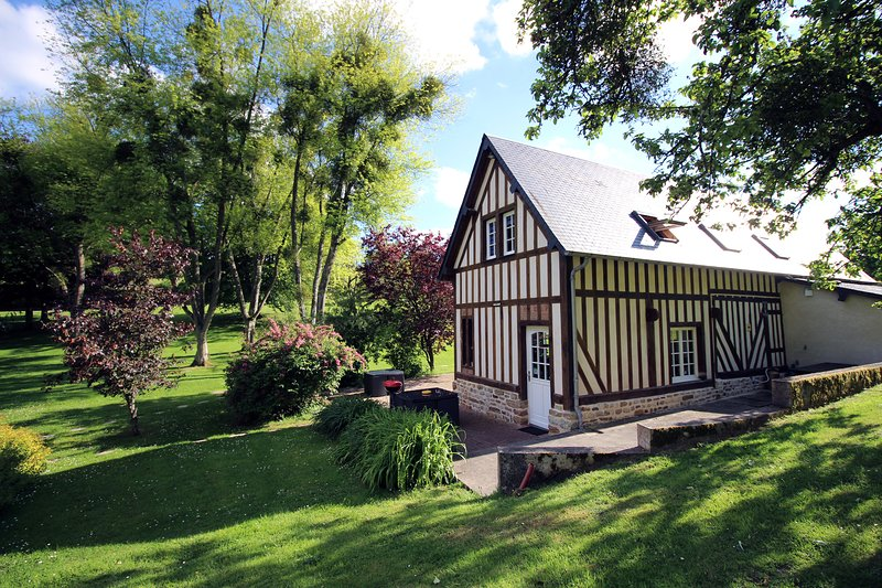 COTTAGE NORMANDY SAUNA JACUZZI 5 PERSONS DEMOISELL, holiday rental in Silly en Gouffern
