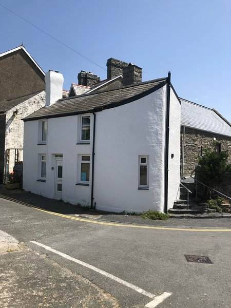 Coedmor Harbour Cottage, holiday rental in Barmouth