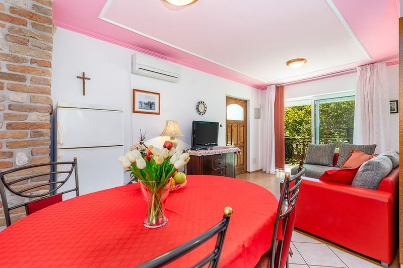 Holiday home 160694 - Holiday apartment 158957, holiday rental in Jurandvor