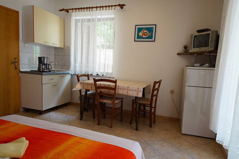 Holiday home 143693 - Studio apartment 127098, holiday rental in Skrbcici