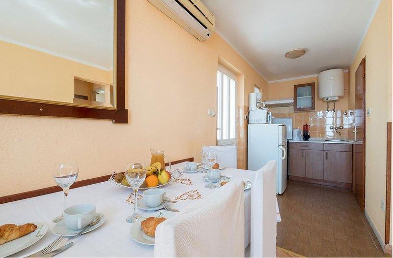 Holiday home 143993 - Holiday apartment 127168, vacation rental in Srebreno