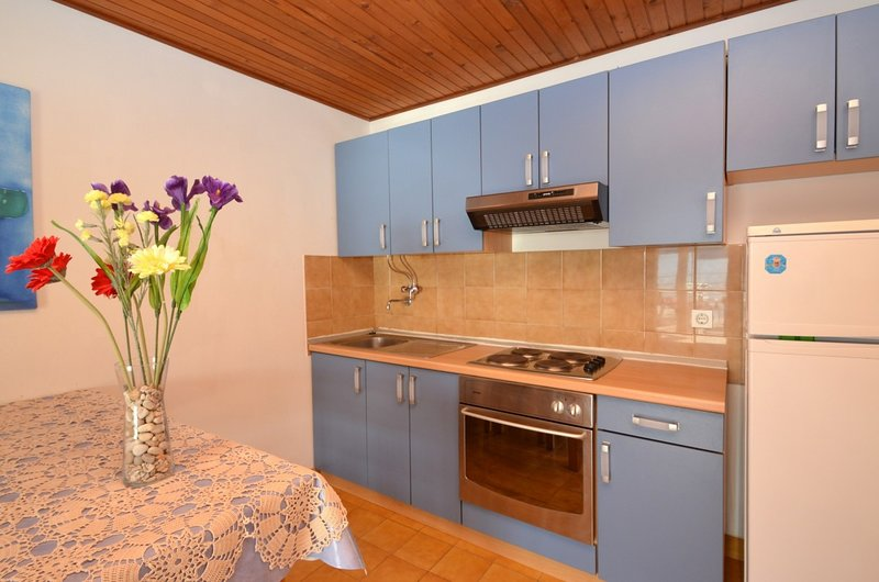Holiday home 143368 - Holiday apartment 212583, location de vacances à Prizba
