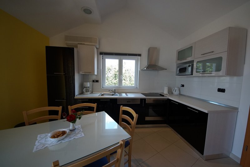 Holiday home 143693 - Holiday apartment 126525, vacation rental in Njivice