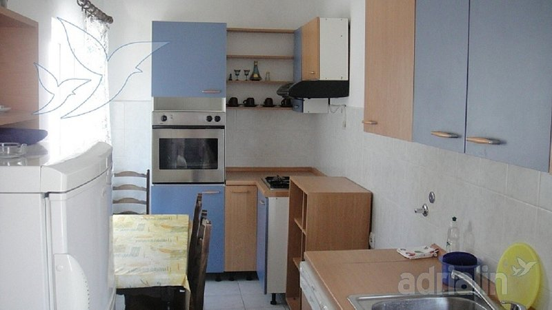 Holiday home 144551 - Holiday apartment 128559, holiday rental in Gustirna