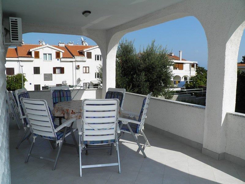 Holiday home 120145 - Holiday apartment 35123, vacation rental in Batomalj