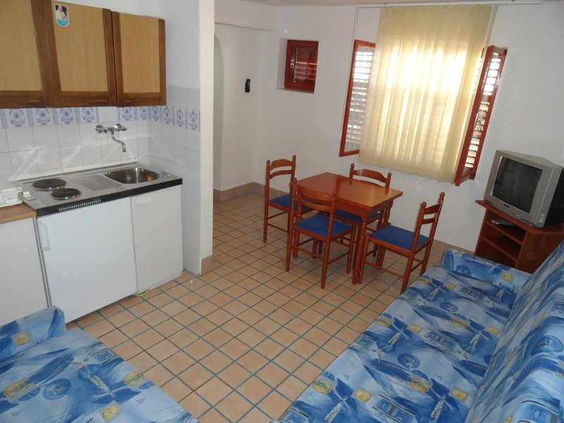 Holiday home 157369 - Holiday apartment 152145, holiday rental in Banj