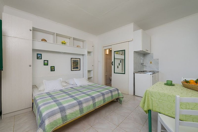 Holiday home 141506 - Holiday apartment 120923, location de vacances à Murvica