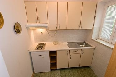 Holiday home 143641 - Holiday apartment 126371, vacation rental in Tucepi