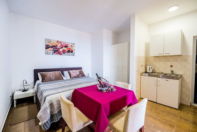 Holiday home 142089 - Holiday apartment 122406, holiday rental in Soline