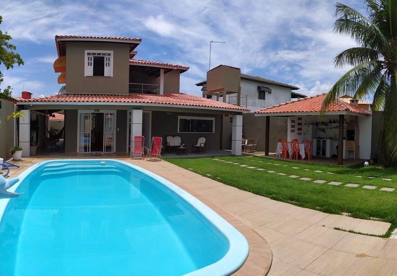 Casa Ampla Com Piscina Próximo A Praia de Jauá, holiday rental in Abrantes