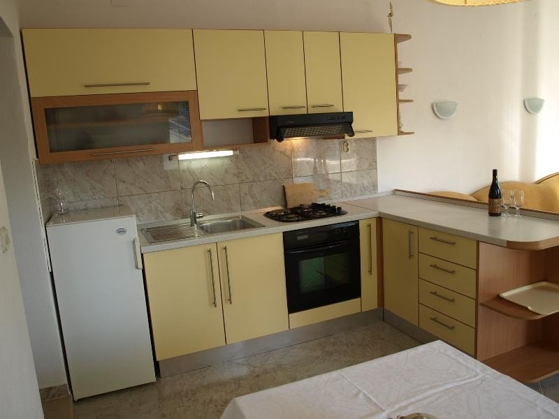 Holiday home 137817 - Holiday apartment 112446, holiday rental in Lozisce