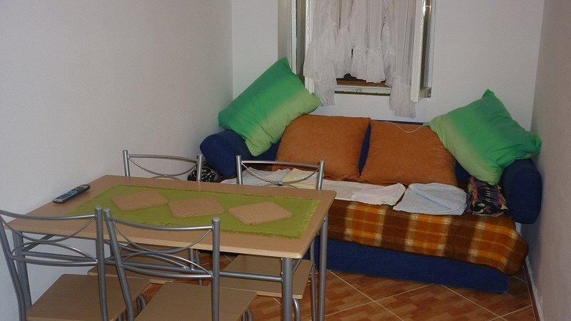 Holiday home 164325 - Holiday apartment 166467, aluguéis de temporada em Igrane