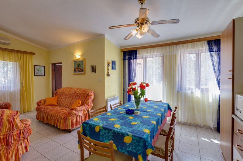 Holiday home 118163 - Holiday apartment 31124, holiday rental in Cunski
