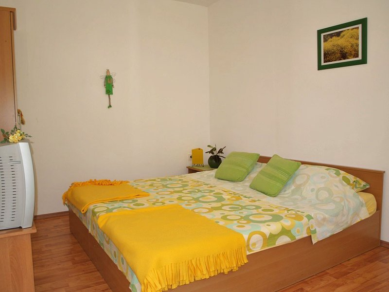 Holiday home 138991 - Holiday apartment 115168, holiday rental in Cunski
