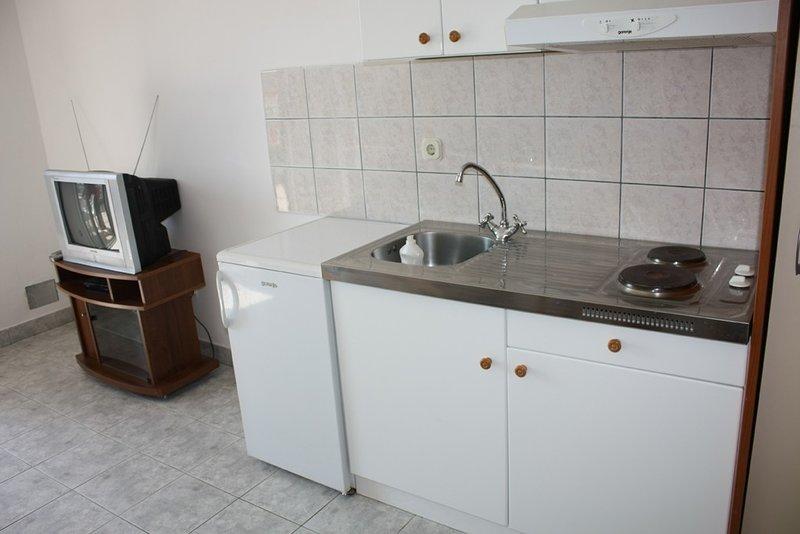 Holiday home 142974 - Holiday apartment 124601, casa vacanza a Drvenik