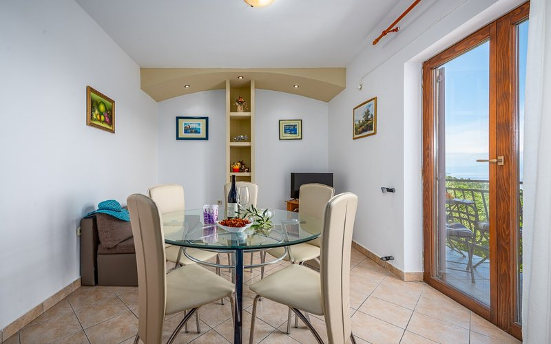 Holiday home 163248 - Holiday apartment 164351, holiday rental in Drenje
