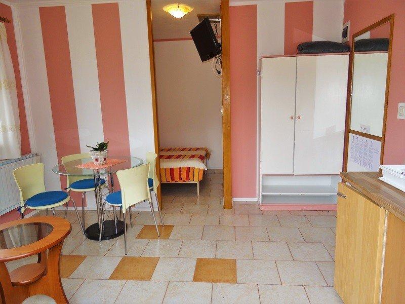 Holiday home 157648 - Studio apartment 211539, vacation rental in Batomalj