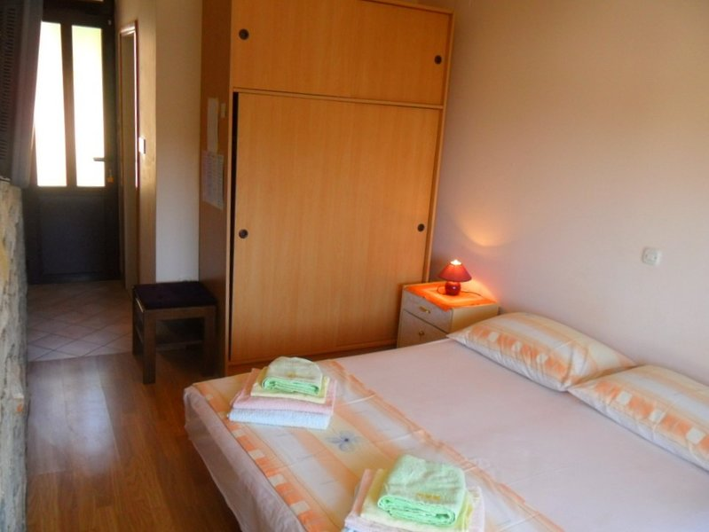 Holiday home 171669 - Guest room 183816, holiday rental in Brna