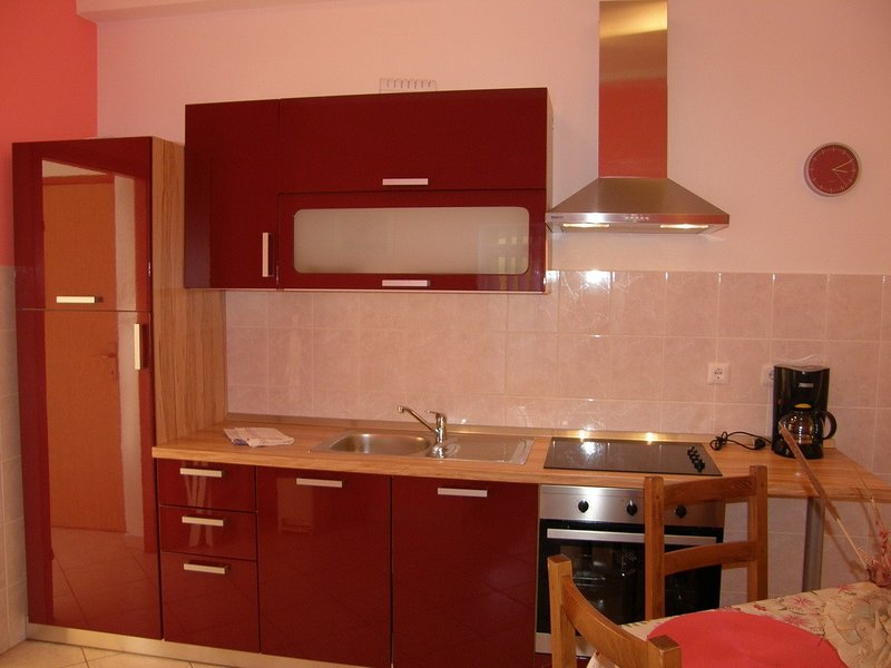 Holiday home 110146 - Holiday apartment 152902, vacation rental in Batomalj