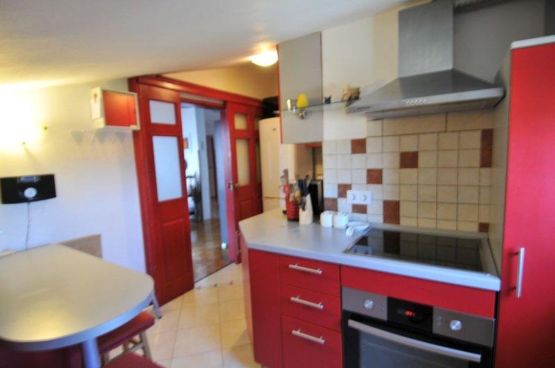 Holiday home 167766 - Holiday apartment 234477, location de vacances à Varvari