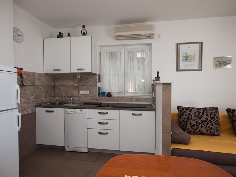 Holiday home 143179 - Holiday apartment 125176, holiday rental in Omisalj