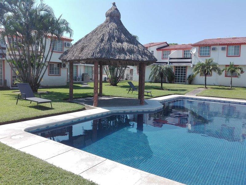 RENTO BONITA CASA EN ACAPULCO CERCA DE LA PLAYA, vacation rental in Acapulco