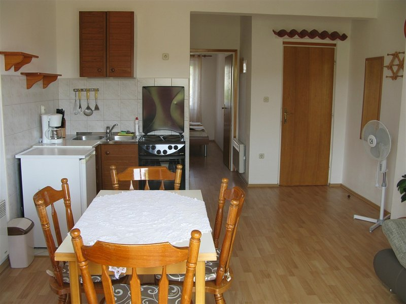 Holiday home 140690 - Holiday apartment 118781, vacation rental in Mundanije