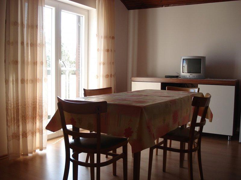 Holiday home 143614 - Holiday apartment 126336, alquiler de vacaciones en Nerezine