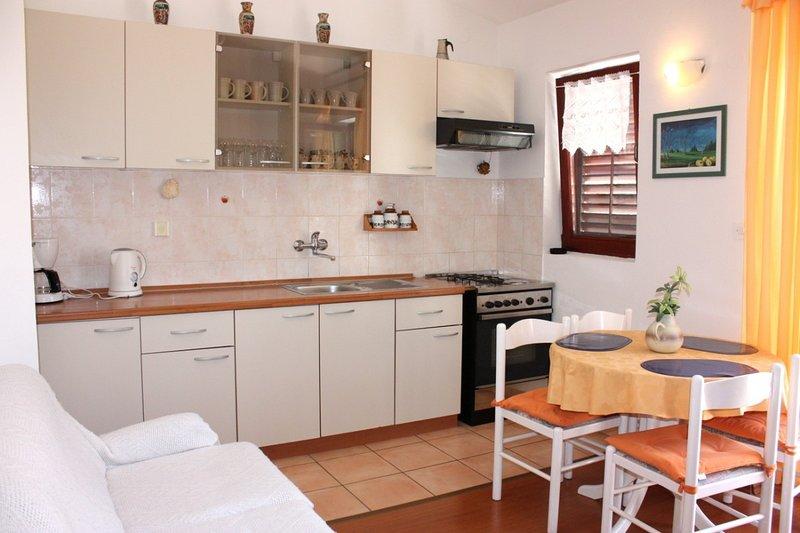 Holiday home 141988 - Holiday apartment 122220, location de vacances à Bosana