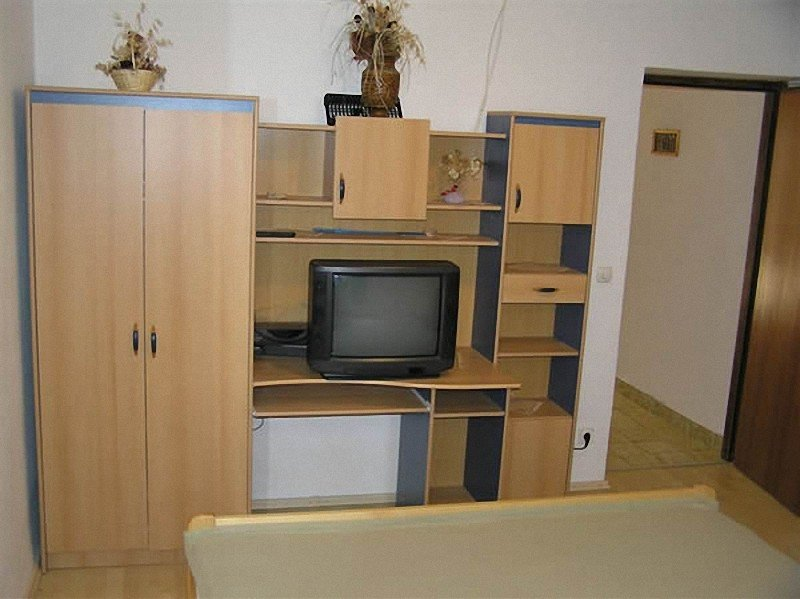 Holiday home 157390 - Holiday apartment 152187, holiday rental in Sibinj Krmpotski