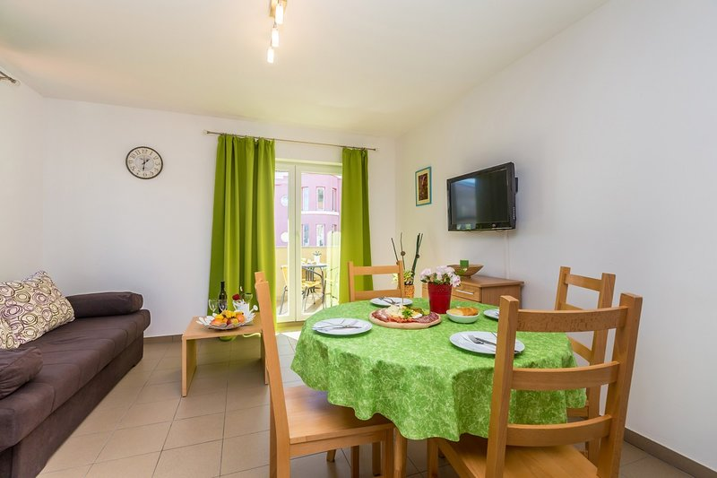 Holiday home 171099 - Holiday apartment 182760, holiday rental in Jurandvor