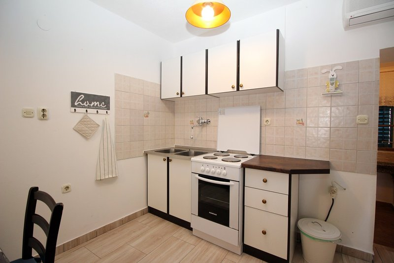 Holiday home 106721 - Holiday apartment 6805, holiday rental in Jurandvor