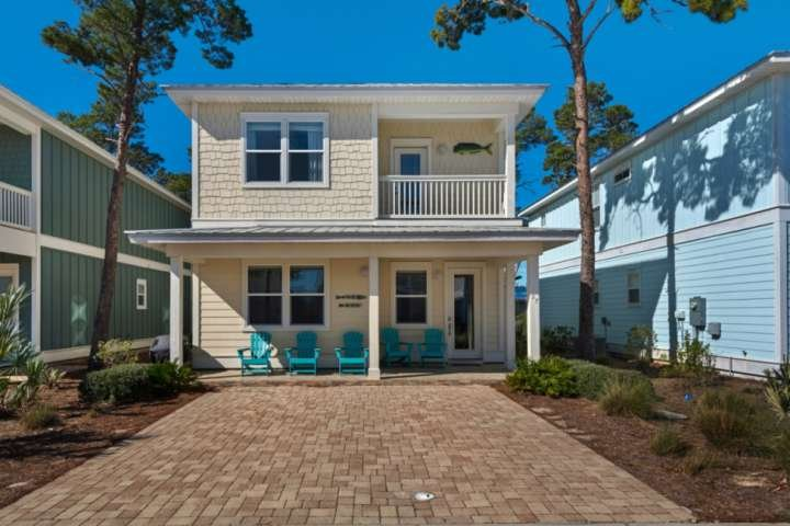 Welcome to 'Beachy Keene', a 4BR, 4.5BA cottage!