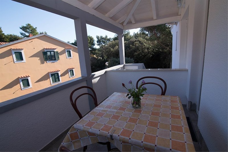 Holiday home 141229 - Holiday apartment 120256, vakantiewoning in Susak