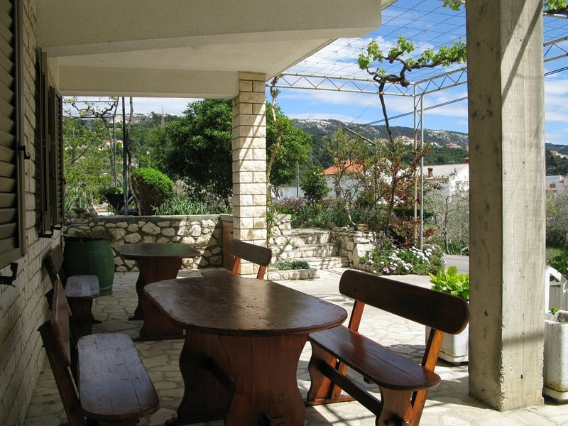 Holiday home 147374 - Holiday apartment 132817, vacation rental in Mundanije