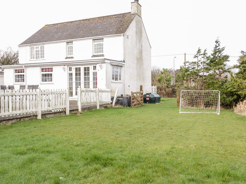 Halcyon, Benllech, holiday rental in Moelfre