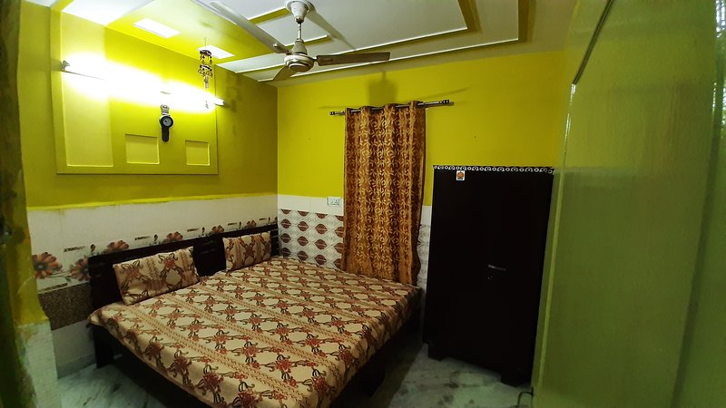 Well Furnished Independent Space near Delhi International Airport (20kms), vacation rental in Janakpuri