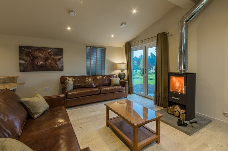 Tay Lodge, sleep 6, real log stove, pet friendly, Ferienwohnung in Kenmore